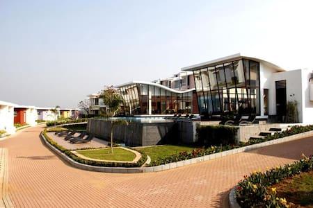 Jo's luxury villa - ดาโบลิม
