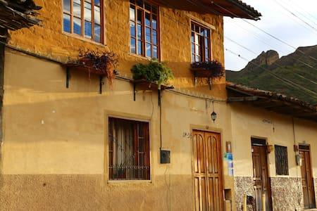 Jasmine House or Casa de jazmín