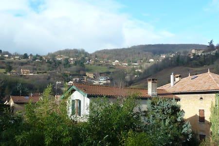 T2 au coeur des Monts d'Or à 10 km de Lyon
