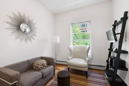 Stylish Contemporary UES One Bedroom