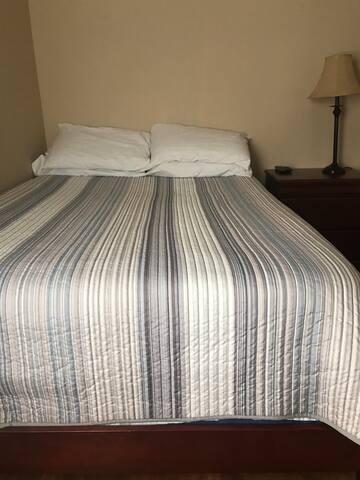Best deal in the McKinley Park area Bedroom#2.