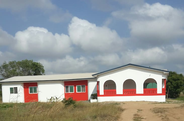 """ NarhVilla "" New Ningo Prampram , Near from Accra - Accra - Casa de vacances"