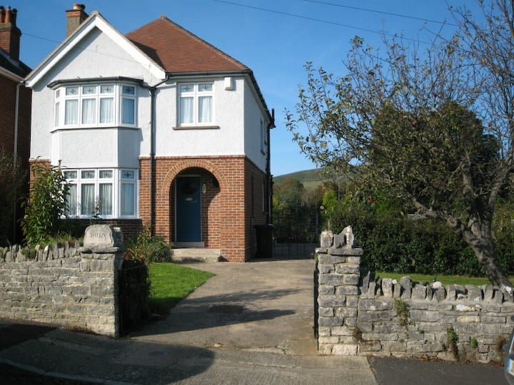 Swanage, 3 bed detached house minutes from the sea
