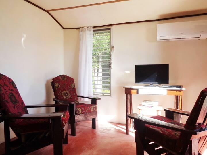 Malacate Beach Cottage - Air  WiFi  Lagoon