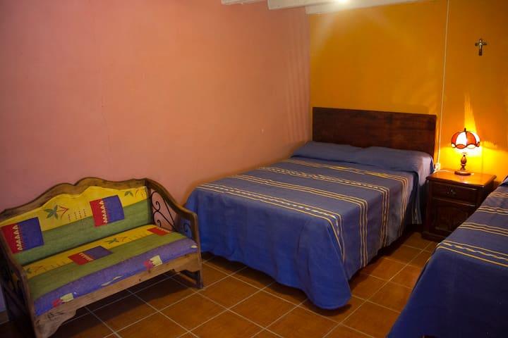 Pátzcuaro, Michoacàn, Casa lacustre en Ajuno.
