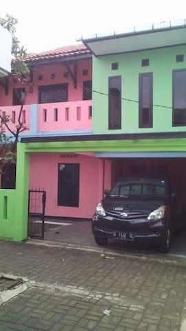 Cikal Homestay Cimahi