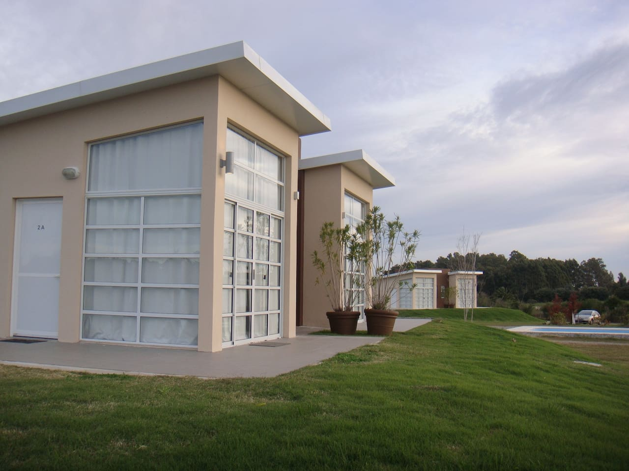 """""""Camino de Palmeras"""" Nº 2 - Alquiler de Aparts / Cabañas con parque y piscina"""