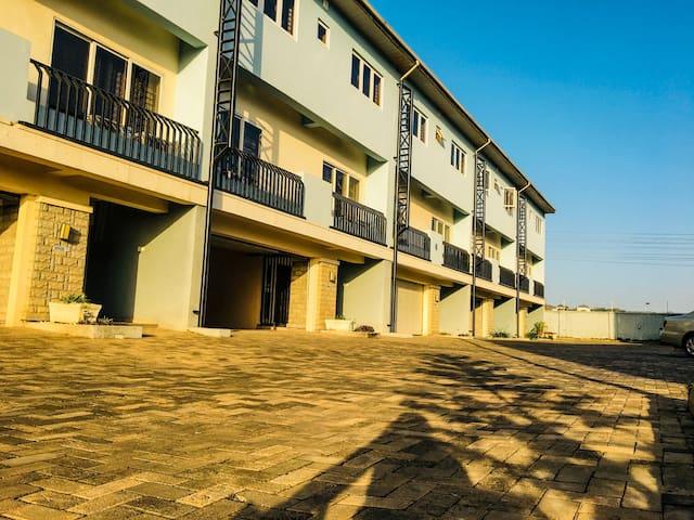 Serene and private Apo Apartment