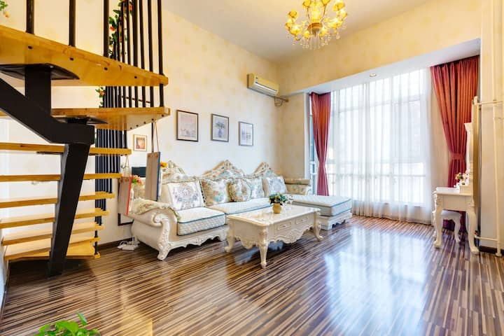 国贸网红loft豪华公寓