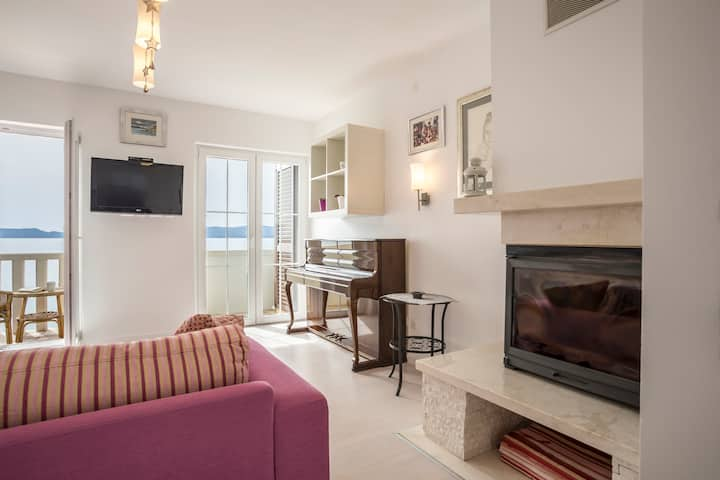 Luxury apartment few steps from the beach