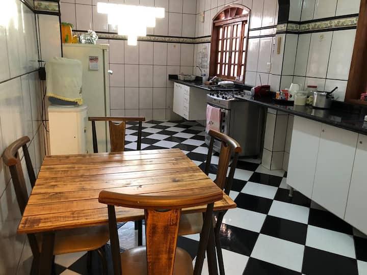 Casa com garagem e entrada conjugada  -  Betim