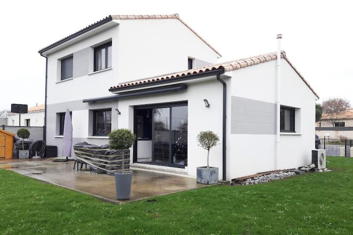 Maison contemporaine près bords de Loire