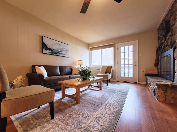 ON THE SLOPES! 1BR condo at Bryce Resort!