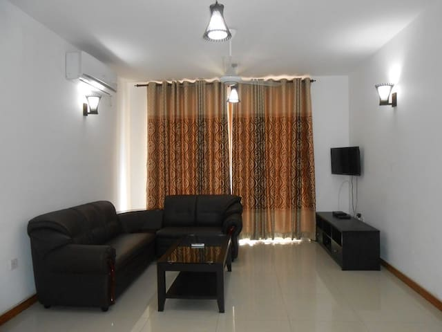 Modern 3 Room Apartment in Central Lcoation