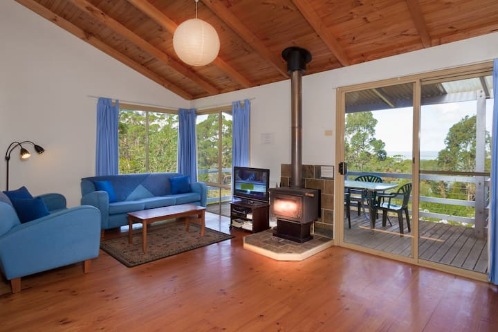 Blue Wren Cottage with great views -7 NightSpecial