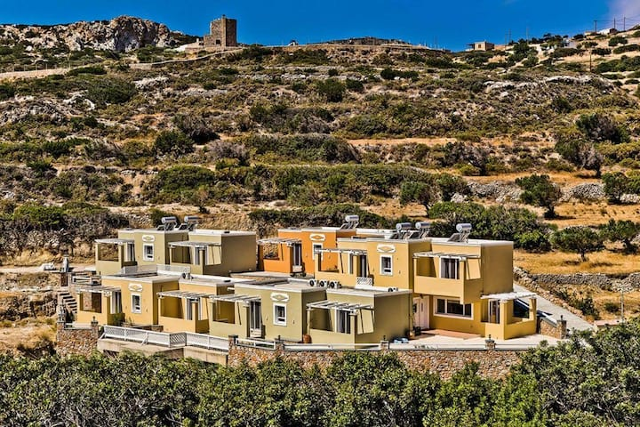 R 1225 Theron's Villa Skinos With Garden View, Private Balcony & Mountain View