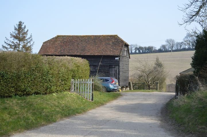 The Granary, Petham Nr  Canterbury - 켄트(Kent)