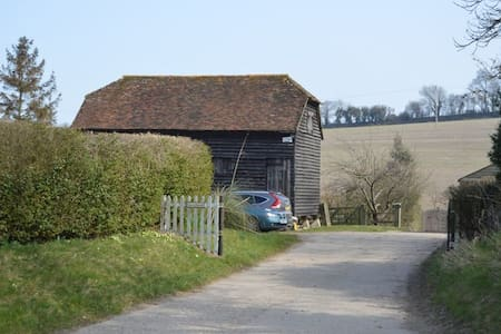 The Granary, Petham Nr  Canterbury - Kent - House