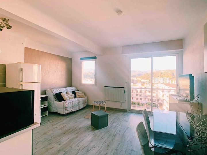 Studio meublé 26 m2 centre ville Cagnes sur mer