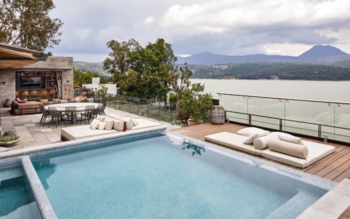 Magnificent Lake View Beautifully Furnished 6 room