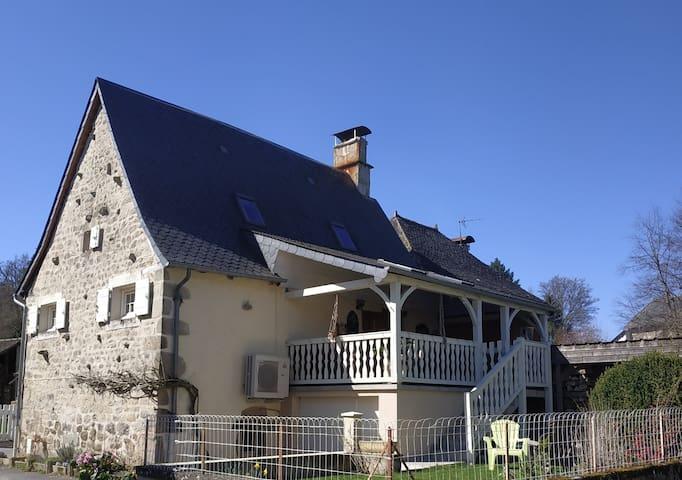 L'instant Cantou, gîte 3 épis en Corrèze