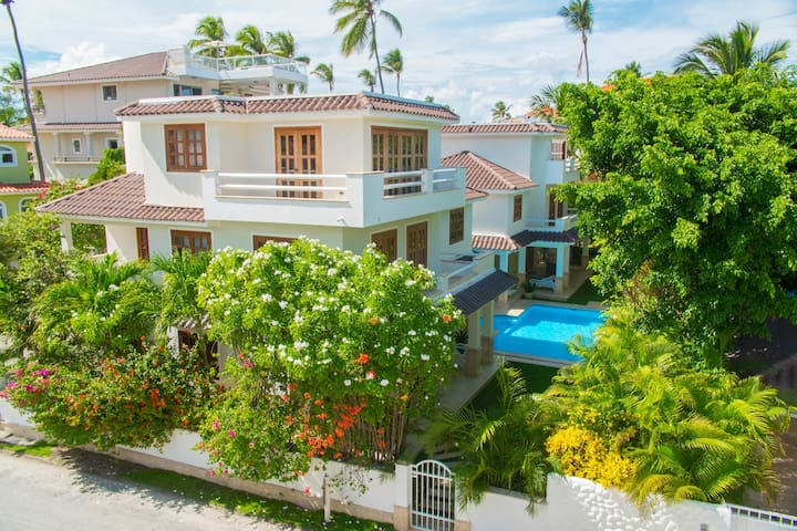 Lux Home Villas Gemelas 3 floor-6 bedrooms - Punta Cana - Villa