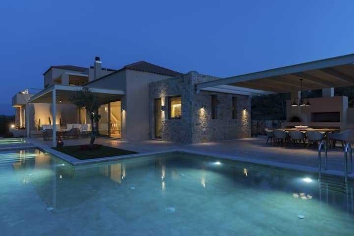 Top Luxury holiday pool villa with amazing view