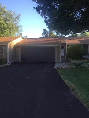 1.5 miles away from Ryder Cup - Chaska - Apartmen