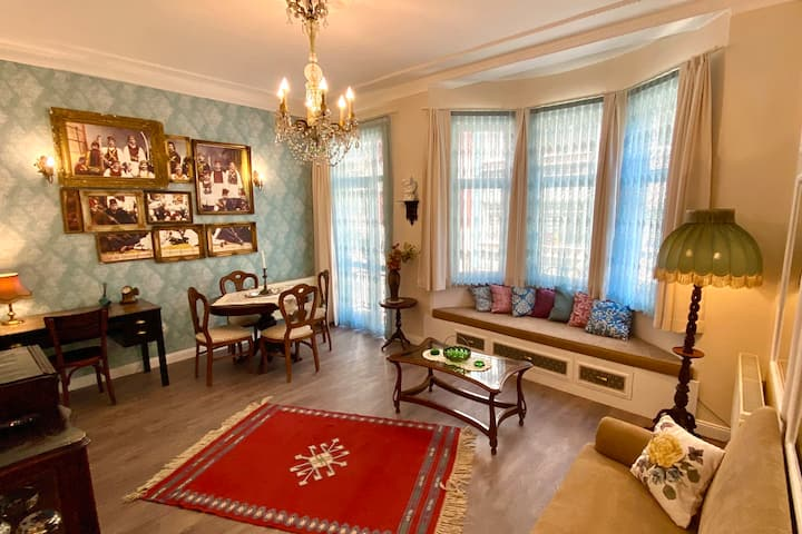 Palais de Tatavla, charming apartment in Osmanbey