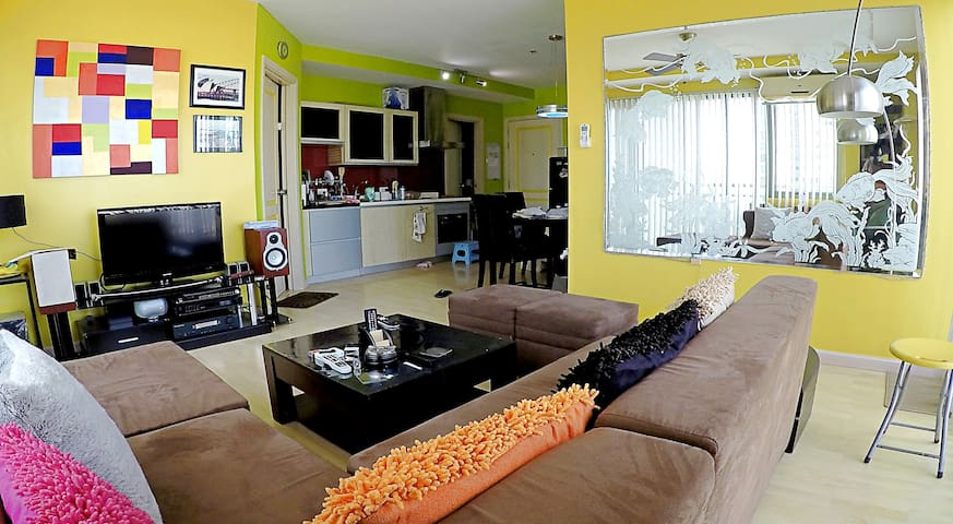 SKY HIGH 2BR/2Bath PREMIUM CORNER SUITE NEAR SHANG