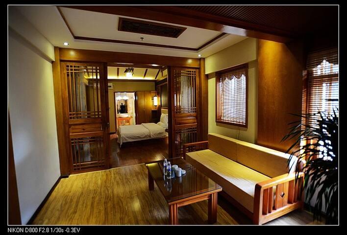 丽江古城汉邦豪苑高端庭院客栈 - Lijiang - Bed & Breakfast