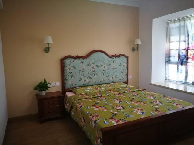 大卧室1.8米床