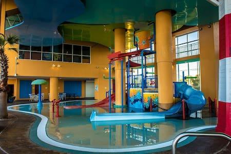 Splash Resort 205 - 1BR/2BA w/ Bunks, Beachfront - Panama City Beach - Appartement en résidence