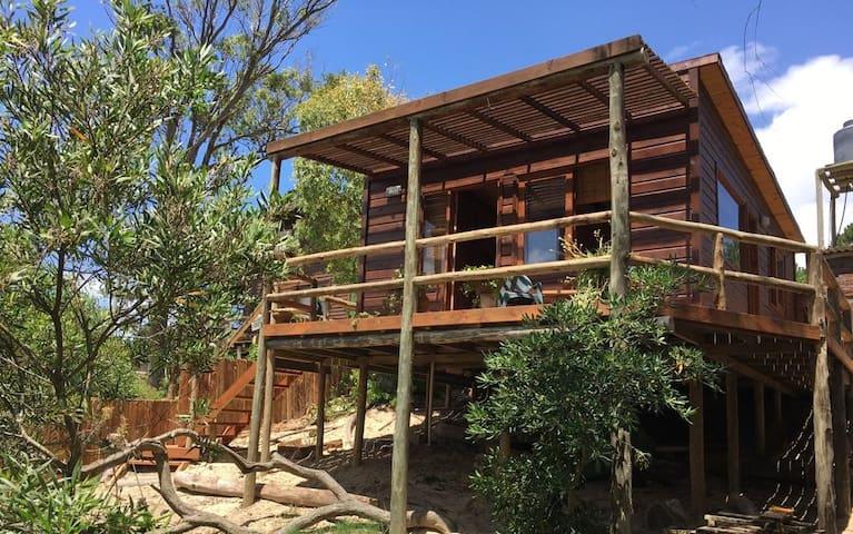 El rincón de pura vida, cabaña de madera artesanal