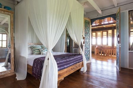 Pondok Angie Wooden House Room 1