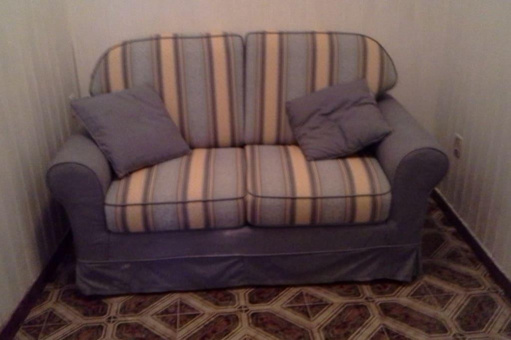 disimpegno con divano letto
