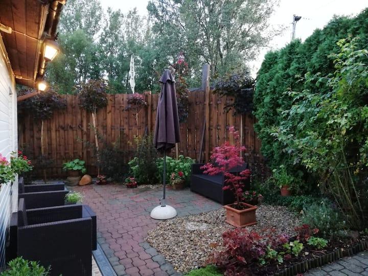 Urokliwy dom z ogródkiem