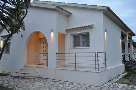 Villa Christina - Acharavi - 獨棟