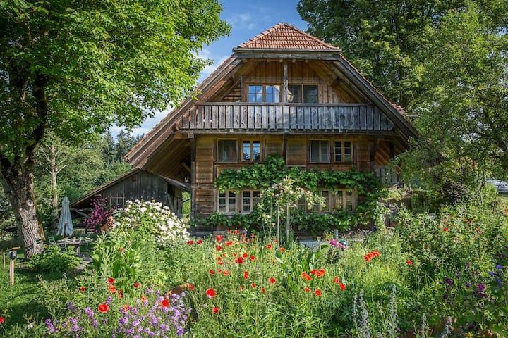 Bauernhaus im Naturpark Gantrisch & Teich & Sauna
