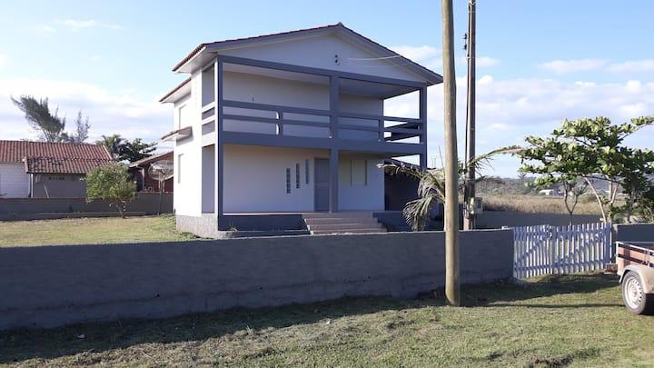 Casa aconchegante com 5 quartos, praia Campo Bom.