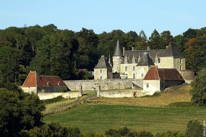 Historical Castle Normandie 15PERS SPECIAL OFFER