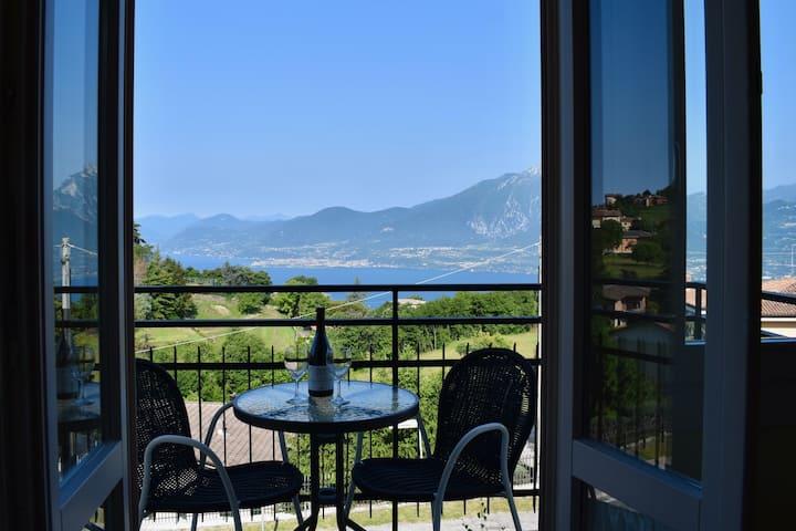 GardaRomance, der Balkon über dem Gardasee