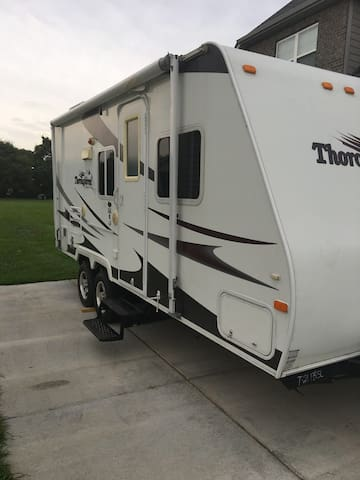 Gallatin TN Eclipse Epicenter 21' Travel Trailer