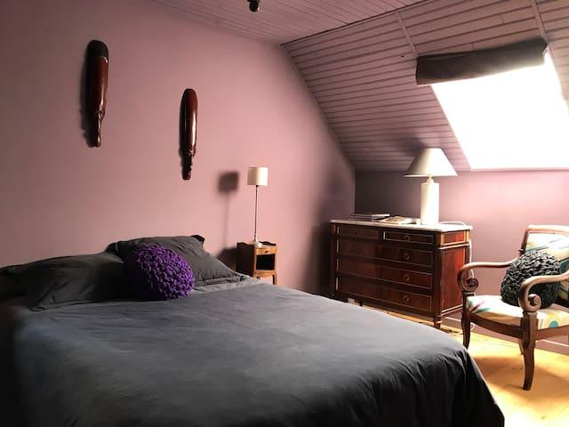 Chambre au deuxième étage avec lit double 140 cm