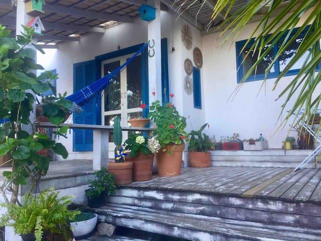 Loft emFloripa 200m praia e resort Costão Santinho