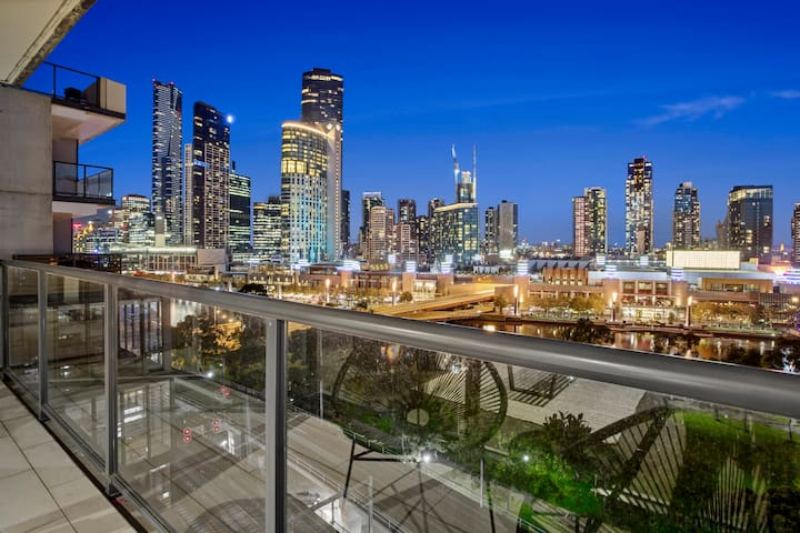 No.1 Best CBD View Melbourne near Yarra and Crown