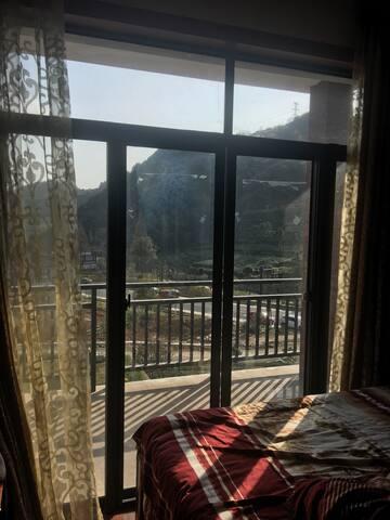 带山景阳台打开窗就是阳光的城市自住屋,参与采茶活动! - Hangzhou - House