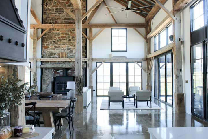 Coombs Hill Barn - 160 year-old converted barn