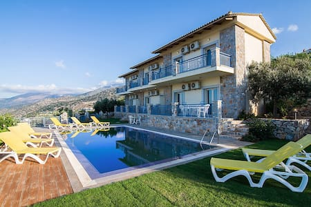VillaMira Apartment c Ground Floor - Malia - Villa