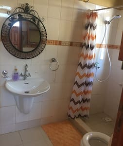 A/c bedroom w/private bathroom - Dar es Salaam